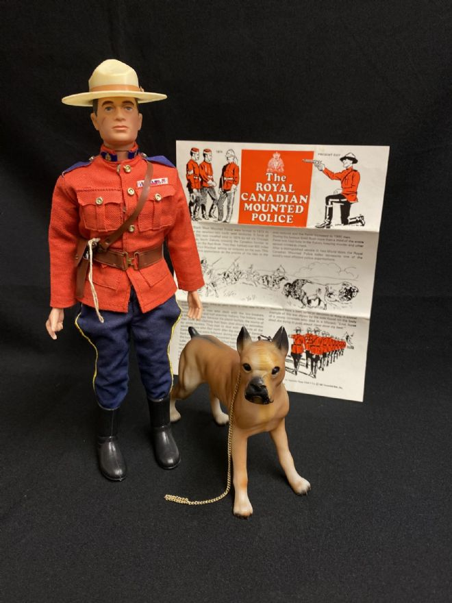 ACTION MAN - ROYAL CANADIAN MOUNTED POLICE  - COMPLETE - LATE ISSUE PAINTED HEAD
